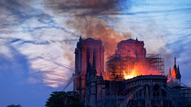 Слідчі назвали офіційну причину пожежі в соборі Паризької Богоматері