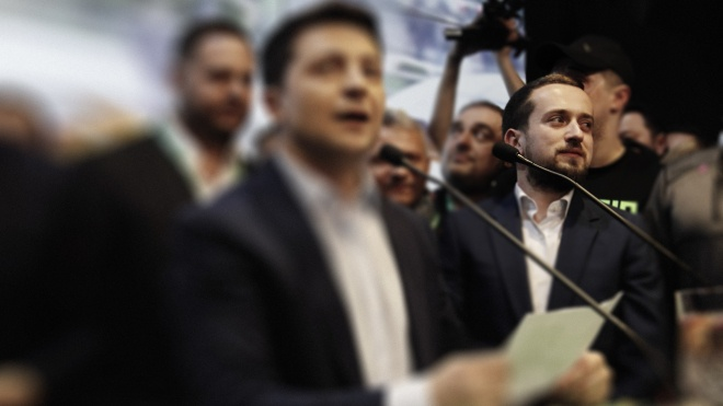 Снимок заявления об отставке главы ОП Андрея Богдана передал СМИ его заместитель Кирилл Тимошенко. Фотодоказательство