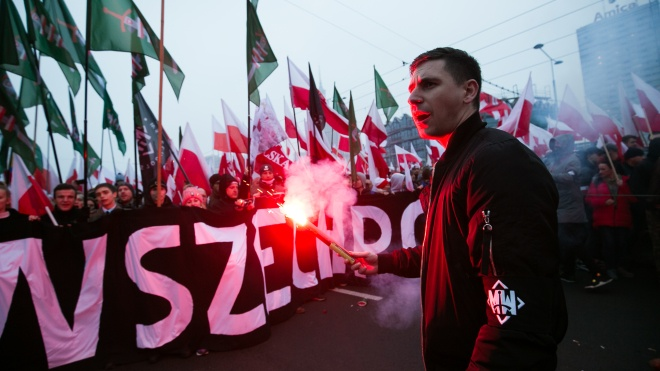 Президента и чиновников Польши раскритиковали за совместный с ультраправыми марш. Там были и украинские националисты