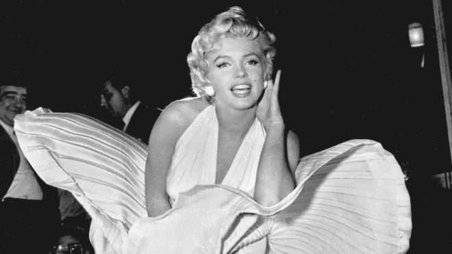 Блузка, брюки, автомобиль. Вещи Мэрилин Монро ушли с молотка за $1 млн