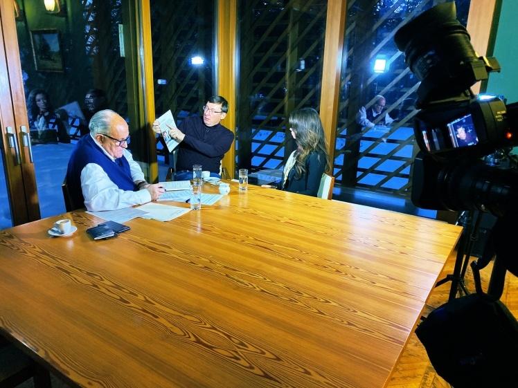 Джулиани и Луценко во время интервью в Будапеште 3 декабря.