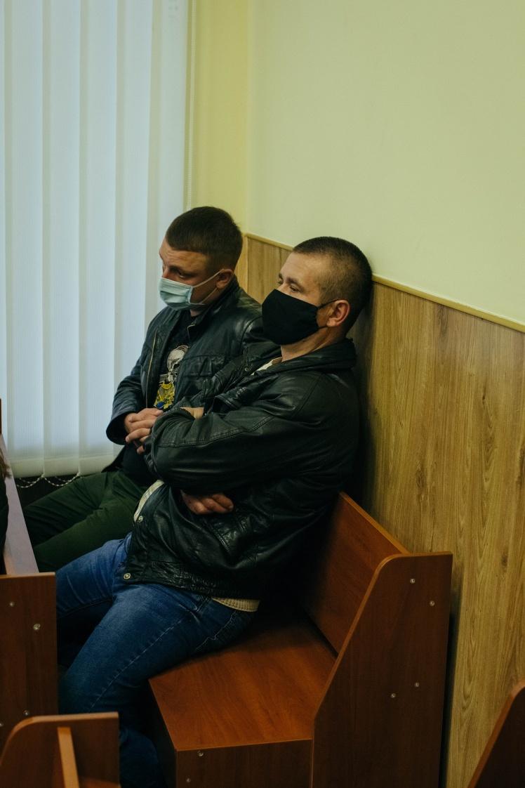 Обвинувачені Дмитро Кривошей (ліворуч) і Володимир Петровець