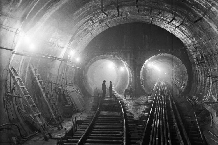 Тунель Київського метрополітену поблизу станції «Арсенальна», 9 серпня 1959 року.
