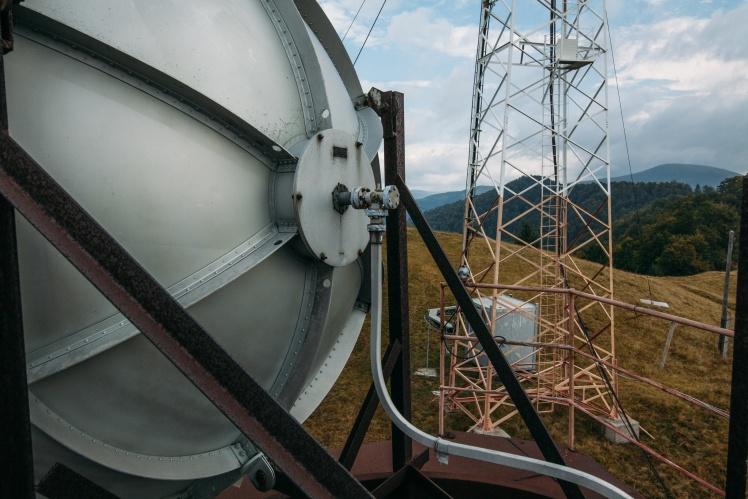 Вежа, вітер і вовки: один день з людиною, яка стежить, щоб у жителів Закарпаття не закінчилося телебачення (ФОТО), фото-9