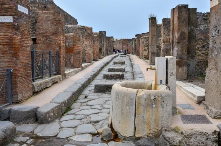 Неподалік Помпеїв знайшли скелет 40-річного чоловіка, який загинув під час виверження Везувію
