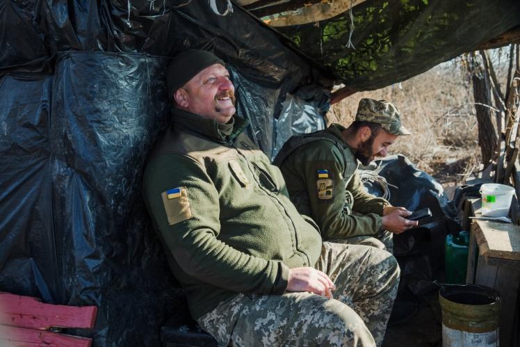Військові 128-ї бригади на лінії розведення військ біля Богданівки в Донецькій області, листопад 2019 року.