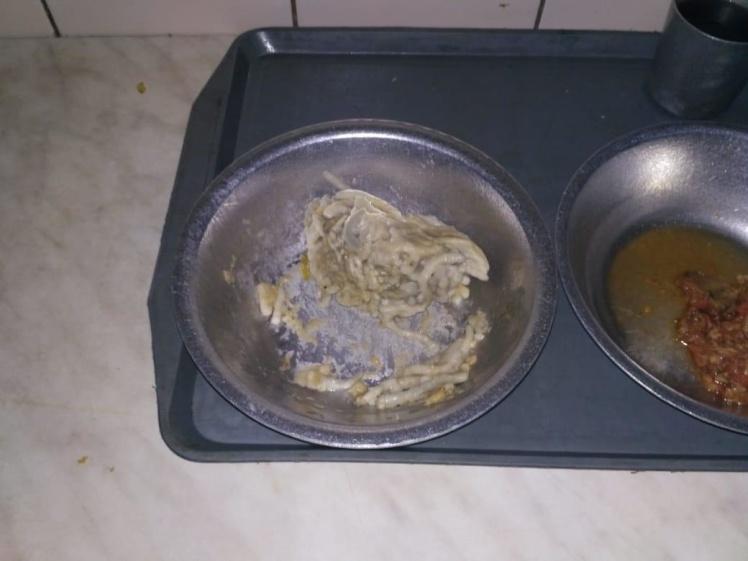 Їжа, яку дають засудженим у Південній виправній колонії №51