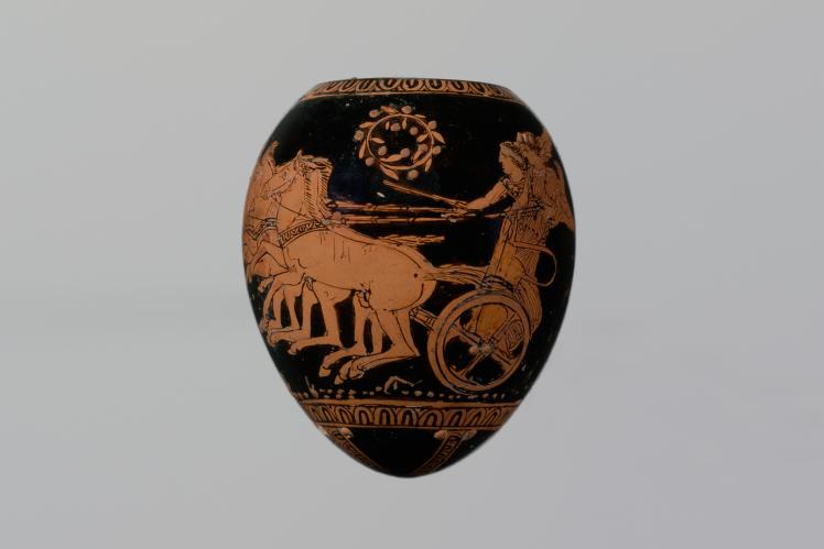 На ней один из эпизодов троянского цикла — Парис и Елена на пути из Спарты.