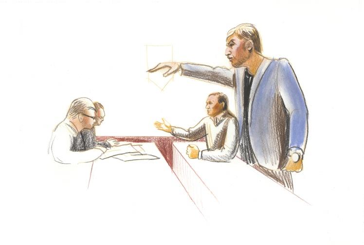 Адвокаты и Ефремов общаются с прокурорами в довольно грубой форме. Прокурор Кожуховский уверен, что они пытаются добиться его реакции, чтобы была причина отстранить его от процесса. Поэтому на оскорбления он не реагирует.
