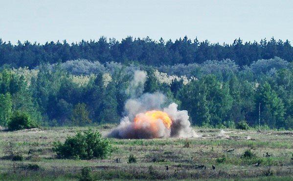ВСУ провели випробування американських протитанкових керованих ракетних комплексів Javelin і українських Стугна