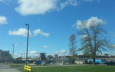 В'язниця Wende Correctional Facility заснована в 1923 році. До неї організовані безкоштовні екскурсії для туристів