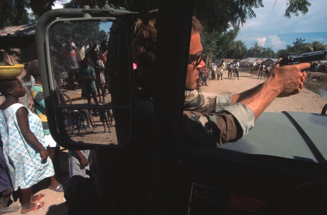 Спецпризначенці США в одному із сіл Гаїті, вересень 1994 року.