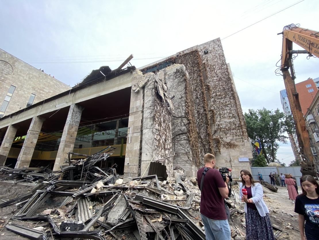 «Цветы Украины» после попытки демонтажа.
