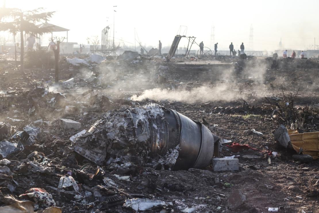 Восьмого січня в столиці Ірану розбився український пасажирський літак авіакомпанії МАУ, який виконував рейс «Тегеран — Київ». Усі 167 пасажирів і дев'ять членів екіпажу загинули. За кілька днів Іран визнав, що його війська ППО випадково збили літак. Протягом року Іран неодноразово ігнорував запити України і не показував повні результати слідства. Уряд Ірану досі не виплатив компенсації.