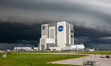 NASA вперше показало надважку ракету для польоту на Місяць