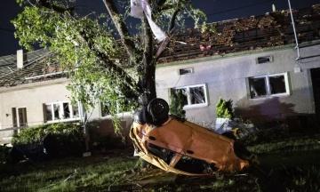 Торнадо в Чехии: число жертв возросло до 5 человек, убытки оценивают в десятки миллионов евро