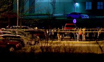 Стрілянина в Індіанаполісі: вбивця зміг законно купити гвинтівки, хоча раніше поліція вилучила в нього дробовик