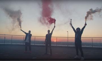Українські музиканти записали пісню на підтримку протестів у Білорусі. У кліпі знялися Сенцов і Притула