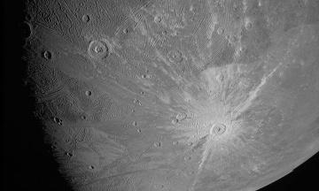 Міжпланетна станція «Юнона» зробила знімки одного з чотирьох супутників Юпітера