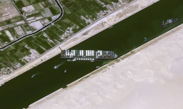 Суецький канал розширюють після інциденту з контейнеровозом Ever Given