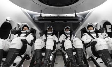 Пілотований корабель Crew Dragon-1 успішно повернувся на Землю