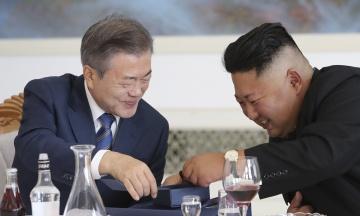 Північна та Південна Кореї відновили офіційні канали зв'язку