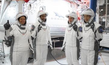 Місія Crew-1 на МКС запланована на Гелловін. Другий екіпаж Crew Dragon завершив підготовку
