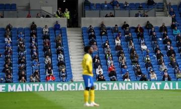 У Великій Британії на футбольних матчах тестуватимуть «COVID-паспорти»