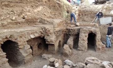 У Йорданії під час комунальних робіт виявили давньоримські лазні. Уряд не знає, зберегти їх чи побудувати сучасні комунікації