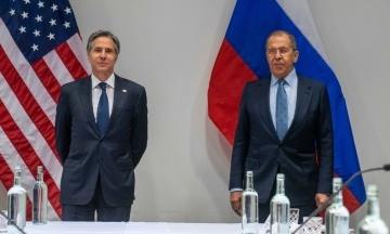 Из-за решения Кремля США увольняют около 200 сотрудников консульств в России