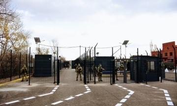 Боевики ограничили выезд на неоккупированную территорию детей старше 14 лет