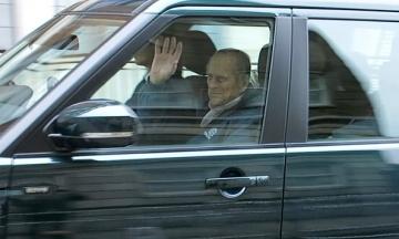 Мужа британской королевы выписали из больницы после операции на сердце