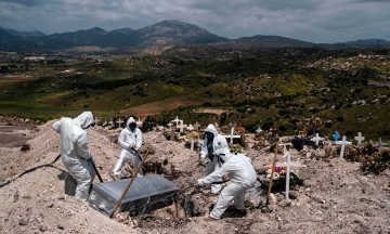 Количество смертей от коронавируса в Мексике оказалось на 60% больше. Жертв пересчитали