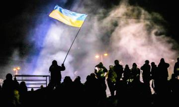 Україна вшановує пам'ять загиблих під час Революції гідності. Ось кращі документальні фільми про події Євромайдану — від стрічки Netflix «Зима у вогні» до «Переломного моменту» Олеся Саніна