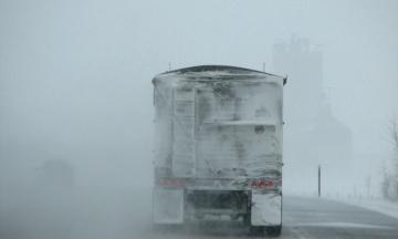 До Києва через снігопад обмежать в'їзд вантажівок