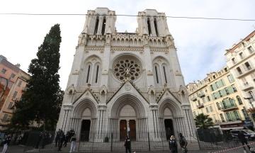 У всій Франції оголошено найвищий рівень терористичної загрози