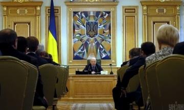 «Западные дипломаты не верили, что мы выстоим». Александр Турчинов рассказывает как весной-летом 2014 года занял все высшие посты в Украине, заново строил власть и начал АТО