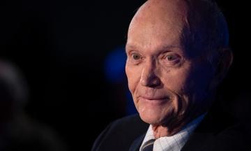 В США умер астронавт Майкл Коллинз. Он участвовал в первой миссии людей на Луну