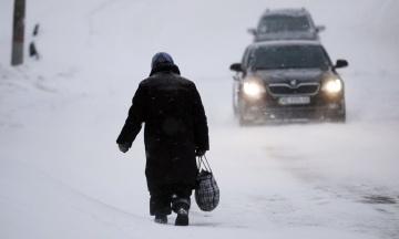 В Одеській області через снігопад закрили дві траси