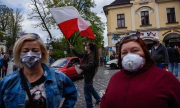 В Польше усиливают локдаун — страна второй день подряд фиксирует свыше 30 тыс. больных коронавирусом