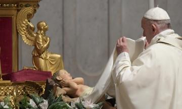 Папа Римський розширив права жінок у Католицькій церкві. Тепер вони можуть служити біля вівтаря