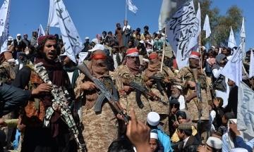 «Талибан» обвинили в убийстве сотни гражданских в Кандагаре. США провели серию авиаударов
