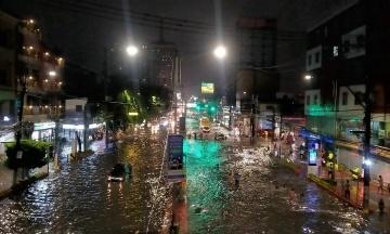 На Філіппінах зливи спричинили повінь. Евакуйовані понад 15 тисяч людей