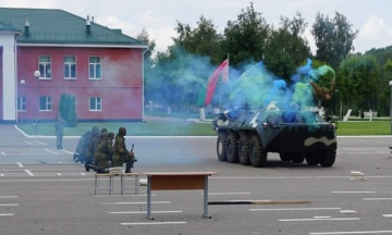 Часть военных Беларуси призвала поддержать Лукашенко. Надеются, что он защитит независимость