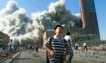 11 сентября 2001 года от терактов в США погибли 2 977 человек. Чтобы отомстить, Штаты начали две большие войны, убили десятки тысяч и потратили триллионы — двадцать лет борьбы с терроризмом в цифрах