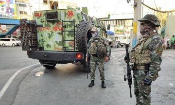 На Філіппінах поліцейські змусили чоловіка зробити 300 присідань за порушення карантину. Він помер