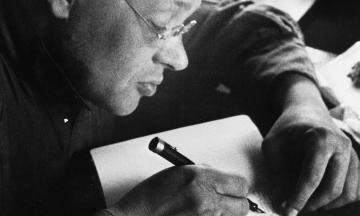 127 років тому народився Ісаак Бабель. Згадуємо цитати одеського письменника і військового кореспондента — про грабежі, голод, війну та її наслідки