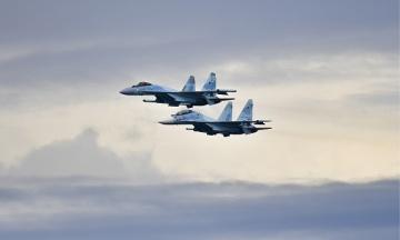 Росія перекинула до Криму понад 50 бойових літаків. У Чорне море увійшли 15 кораблів Каспійської флотилії