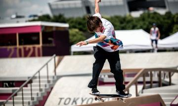 Першим в історії олімпійським чемпіоном зі скейтбордингу став японець Хорігоме