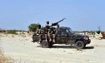 В Нигерии бандиты похитили 140 школьников и повезли их в лес
